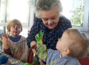Bimbi e anziani. Le emozioni dell'arte